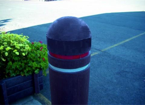 Halve kogelkop bermpaal (15cm)